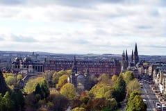 Королевская миля бежать около принцев Улицы Парка, Эдинбурга, Шотландии Стоковое Фото