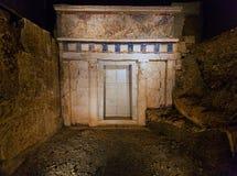 Королевская усыпальница Филиппа II 359-336 ДО РОЖДЕСТВА ХРИСТОВА стоковые фотографии rf
