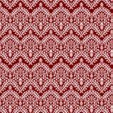 Королевский белый шнурок над maroon Стоковое Изображение