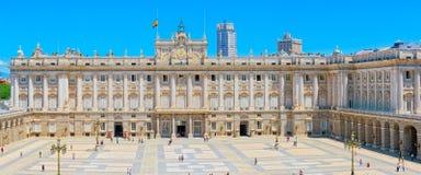 Королевский дворец Мадрида Palacio реального de Мадрида должностное лицо Стоковые Изображения RF