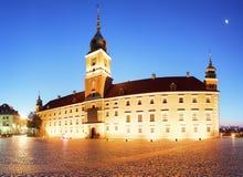 Королевский замок в старом городке Варшавы, Польши на вечере стоковое фото