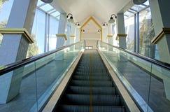 Королевский эскалатор с деталью золота Стоковое Фото