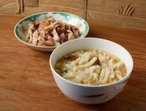 Короткая потеха Lai высушенных сосисок китайца с высушенным супом креветок Стоковая Фотография RF