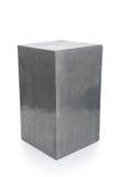 Короткий серый прямоугольный вырез постамента стоковое фото rf