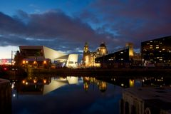 Королевские здание печени и музей Ливерпуля Стоковое Изображение RF