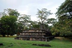 Королевский дворец города Polonnaruwa наследия короля Parakramabahu в мире Polonnaruwa - средневековая столица Шри-Ланки Стоковые Изображения RF