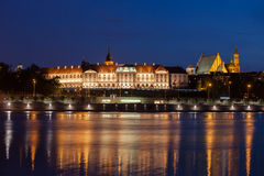 Королевский замок в старом городке Варшавы на ноче Стоковое Фото