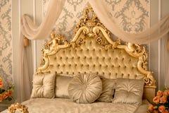 Королевский интерьер спальни Стоковое фото RF