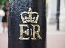 Королевский cypher ферзя в Лондоне Стоковая Фотография