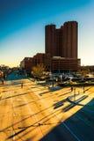 Королевское Sonesta и светлая улица в внутренней гавани Baltim Стоковые Фото
