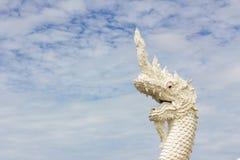 Король змея или король статуи naga в тайском виске в предпосылке Стоковые Фото