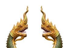 Король змея или король статуи naga в тайском виске изолированном на w Стоковые Фотографии RF