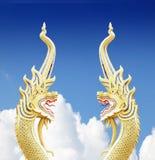 Король змея статуи nagas на голубом небе Стоковые Изображения RF