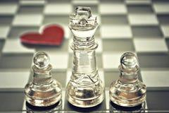Король и пешки на шахматной доске Стоковые Фотографии RF