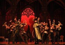 Король мыши и его Щелкунчик балета армии- Стоковое Изображение RF