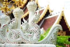 Король статуи Nagas в виске Wat Pha Dara Bhirom Стоковые Изображения