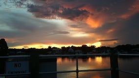 Короля Залив Парк, заходы солнца Рекы Crystal Флориды стоковая фотография