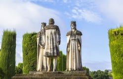Короля и Christopher Columbus статуи ландшафта в Alcazar стоковое изображение rf