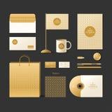 корпоративная тождественность больше моего портфолио устанавливает шаблон Элементы логотипа и дизайна золотистый тип Стоковые Изображения RF