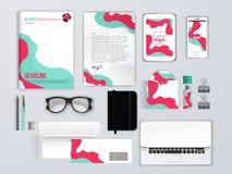 корпоративная тождественность больше моего портфолио устанавливает шаблон Клеймя модель-макеты с телефоном, конвертом, брошюрой и иллюстрация штока