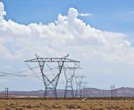 Корридор башни энергии в пустыне Калифорния Стоковые Фото