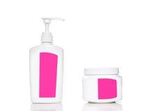 Косметическая пластичная бутылка изолированная на белой предпосылке Жидкостный жулик Стоковое Изображение