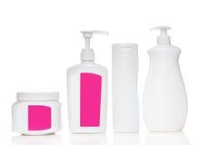 Косметическая пластичная бутылка на белой предпосылке Жидкостный жулик Стоковое Изображение