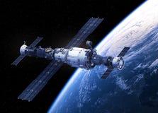 Космическая станция двигая по орбите сцена Earth Стоковое Изображение RF