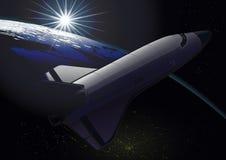 Космический летательный аппарат многоразового использования двигая по орбите земля на восходе солнца Стоковое Изображение