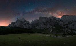 Космос в горах стоковые изображения rf