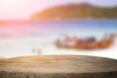 Космос стола на сторона пляжа и солнечный день Стоковые Фото