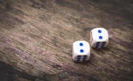 2 кости игры нумерует двойник 2 Стоковые Изображения RF