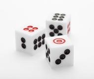 3 кости на таблице для комплекта игры Стоковая Фотография RF