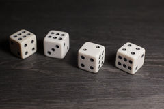 Кость объекта игры изолированная на белой предпосылке Стоковые Фотографии RF
