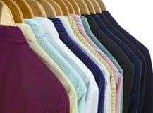 Костюмы и рубашки подпирают стоковая фотография rf