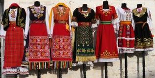 костюмы Люд-стиля от Болгарии Стоковое Фото