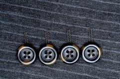 костюм кнопок 4 striped штырем Стоковые Фото