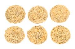 6 котлет сырого мяса изолированных на белой предпосылке Стоковое Фото