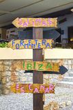 Которое направление вам нужно принять в Ibiza? Стоковая Фотография RF