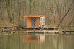 коттедж Пост-apo на озере Стоковое Изображение RF