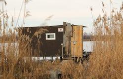 коттедж Пост-apo на озере Стоковая Фотография RF