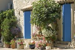 Коттедж, французское село. Провансаль. стоковое фото rf