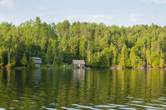 Коттеджи на озере Онтарио Стоковые Изображения RF