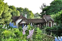 Коттедж дома в парке St James Стоковые Изображения