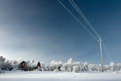 коттедж покрыл снежок Стоковые Фотографии RF