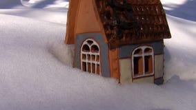 Коттедж рождества на снеге видеоматериал