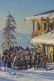 Коттедж Postavaru, Poiana Brasov, Румыния стоковая фотография