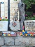 Кот Иерусалима на загородке стоковые фото