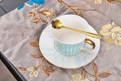 Кофейная чашка блюда обслуживания обедающего dinnerware Tableware стоковые фотографии rf