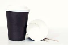 Кофейная чашка и бумажная карточка Стоковое Фото
